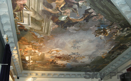Тканевые натяжные потолки с художественной росписью